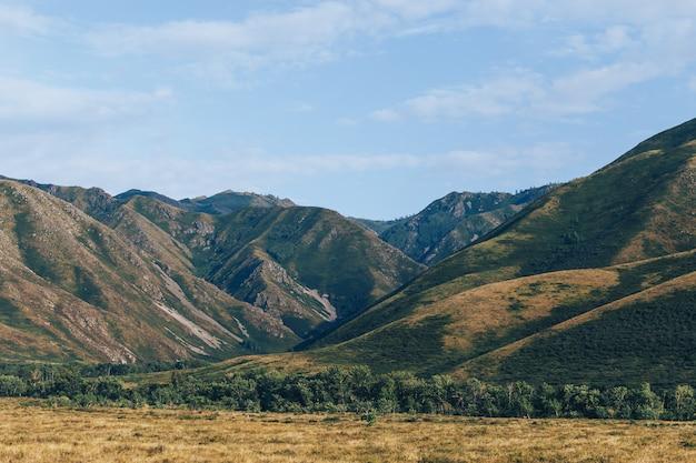 Splendido panorama di mountins altay