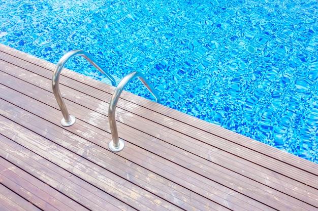Splendido resort con piscina di lusso