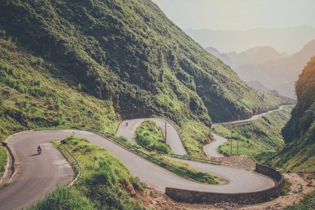 Splendido scenario naturale della strada
