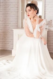 Sposa con abito da sposa