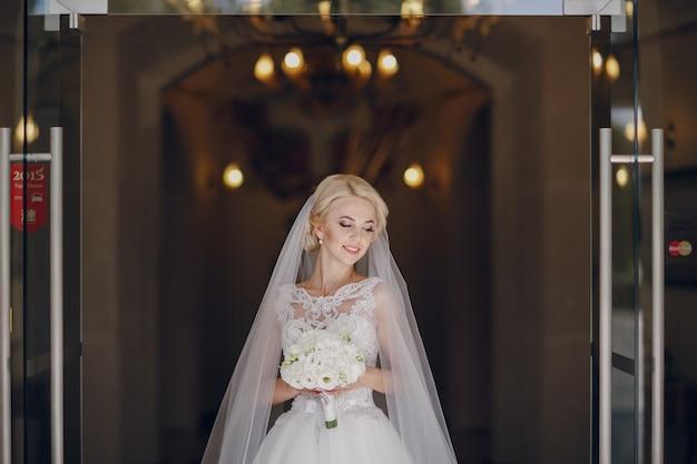 Sposa con il mazzo