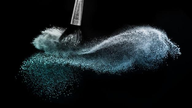 Spruzzi di colore in polvere oceano profondo
