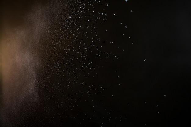 Spruzzi di colore in polvere