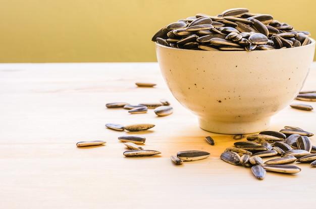 Spuntino ai semi di girasole per pausa