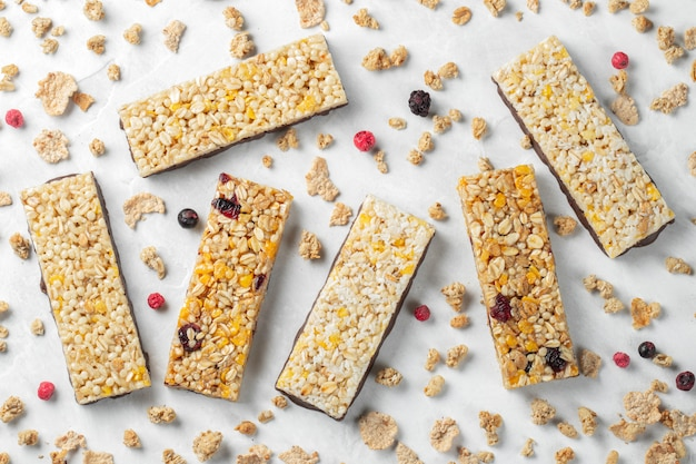 Spuntino dolce sano dessert barretta di cereali
