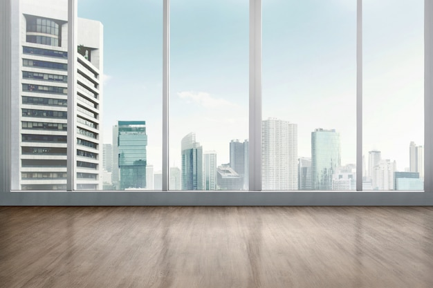 Stanza dell'ufficio vuota con pavimento in legno