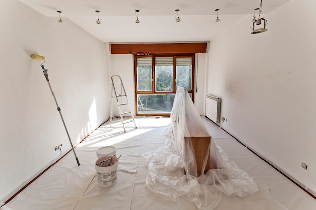 Stanza pronta per dipingere