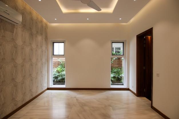 Stanza vuota classica con windows