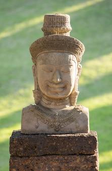 Statua di bayon faccia di pietra, angkor wat, cambogia