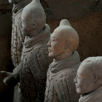 Statua di guerrieri di terracotta al museo dell'esercito di guerrieri di terracotta, xi'an, cina.