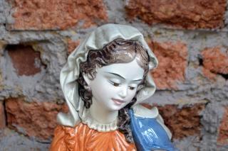 Statua di maria vergine