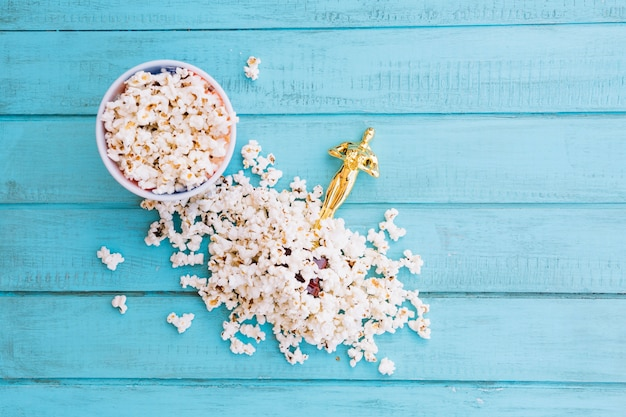 Statuetta di oscar in popcorn
