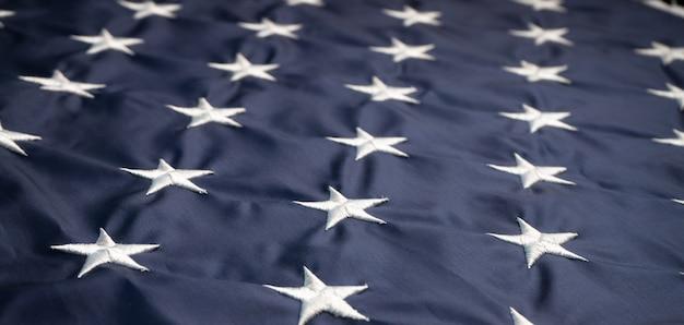 Stelle americane sulla bandiera degli stati uniti. colpo alto vicino o macro. concetto di festa dell'indipendenza