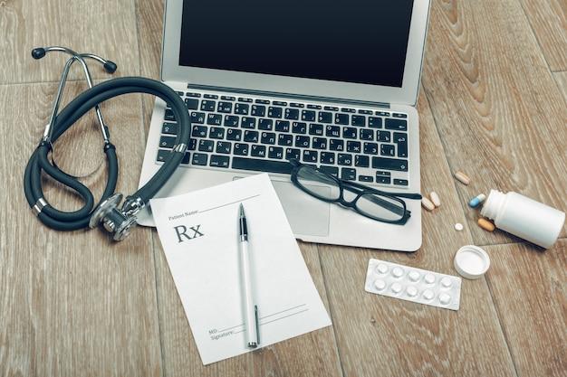 Stetoscopio sul portatile, close-up