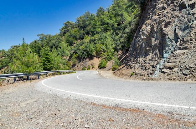 Strada di montagna di cipro
