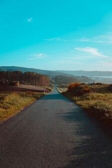 Strada vintage e infinita