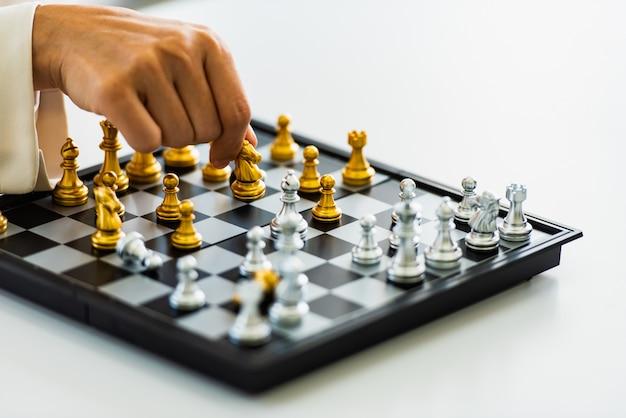 Strategia di scacchi e gioco di tattiche, concetto di business game.