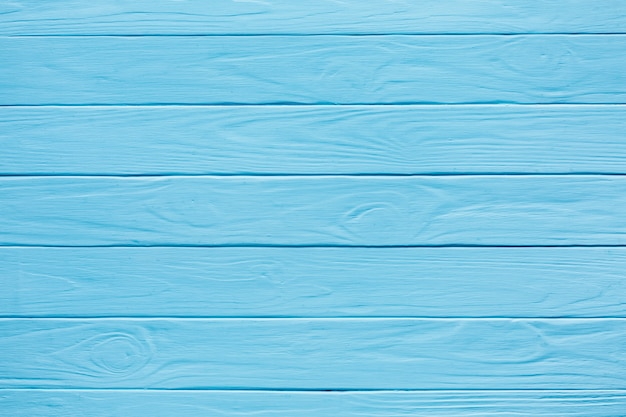 Strisce orizzontali in legno dipinte di blu