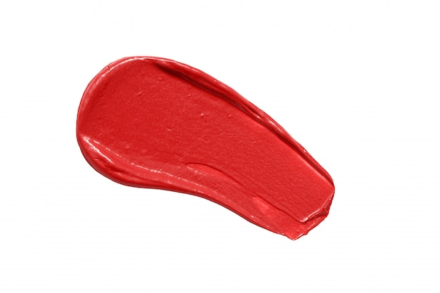 Striscio di rossetto rosso isolato