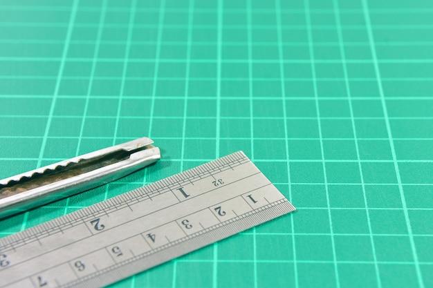 Strumenti di cancelleria per ufficio, tappetino da taglio con righello in acciaio e taglierina