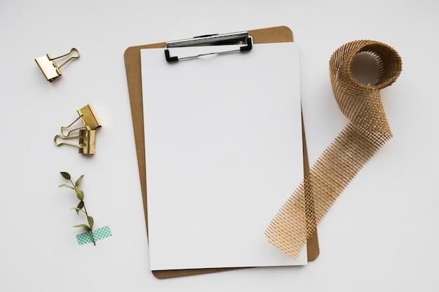 Strumenti per appunti di nozze
