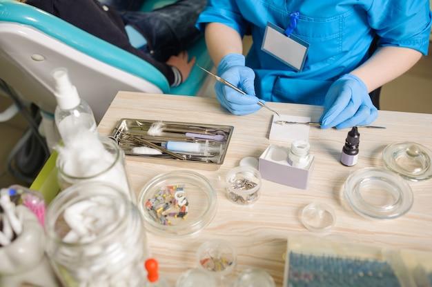 Strumenti per il trattamento endodontico
