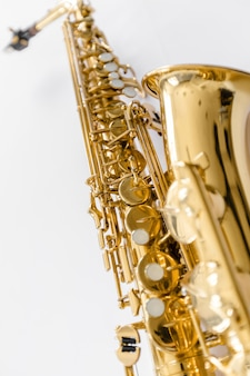 Strumento di sassofono jazz isolato