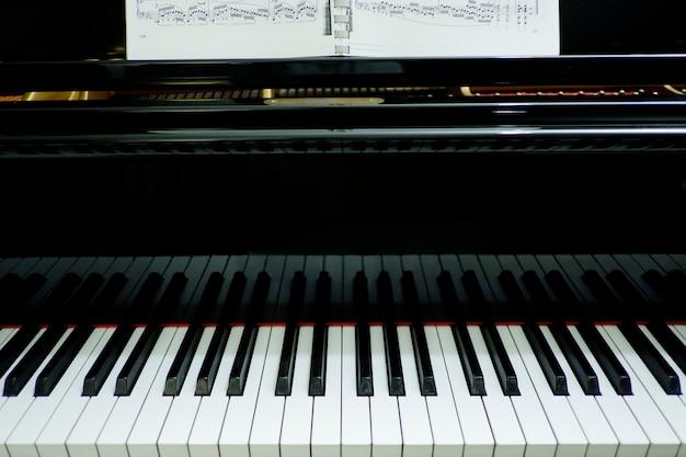 Strumento musicale per pianoforte a primo piano
