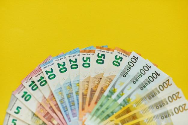 Struttura del fondo delle euro banconote dei soldi