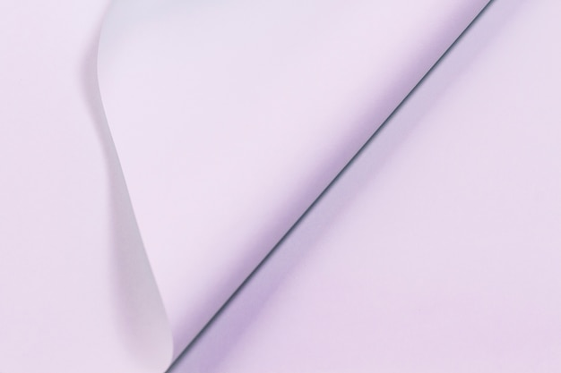 Struttura della pagina viola arricciata carta