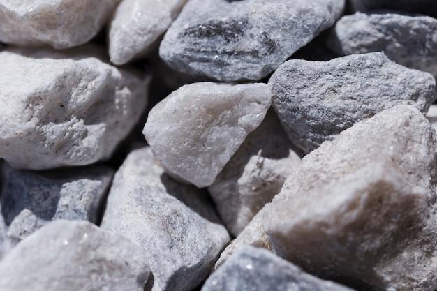 Struttura delle pietre alte vicine