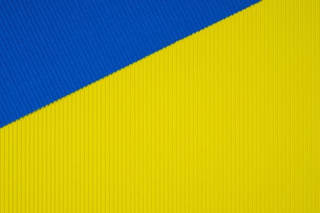 Struttura di carta ondulata blu e giallo