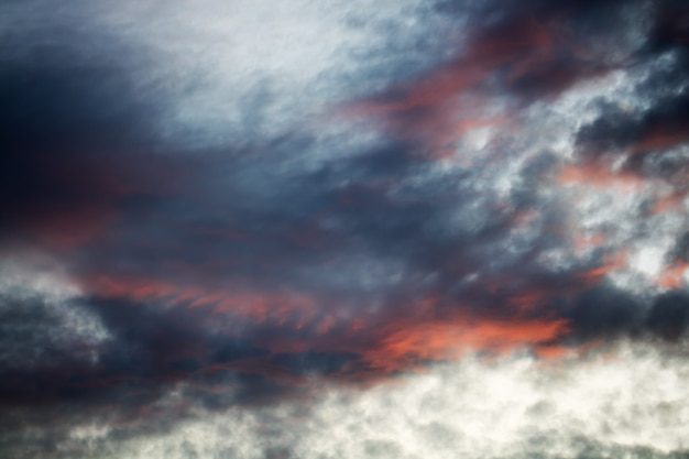 Struttura dinamica del cielo e della nuvola d'annata