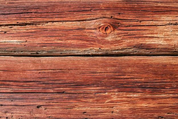 Struttura in legno rosso