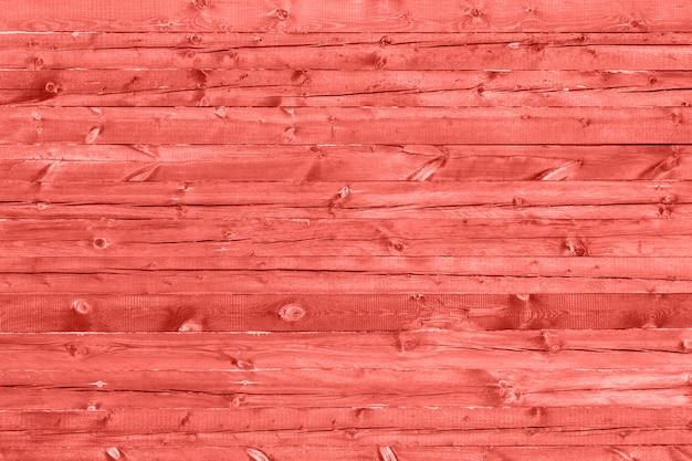 Struttura in legno tonica a color corallo vivente