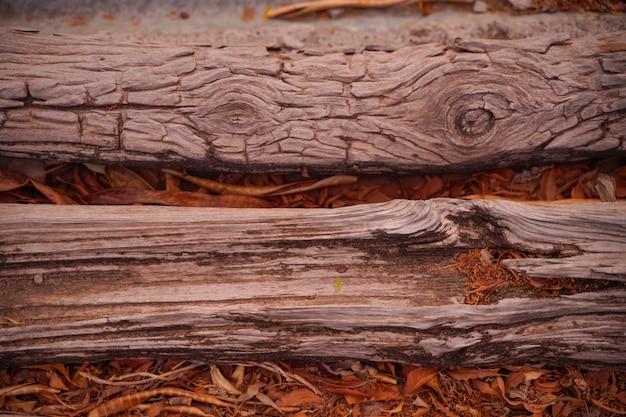 Struttura incrinata su legno vecchio
