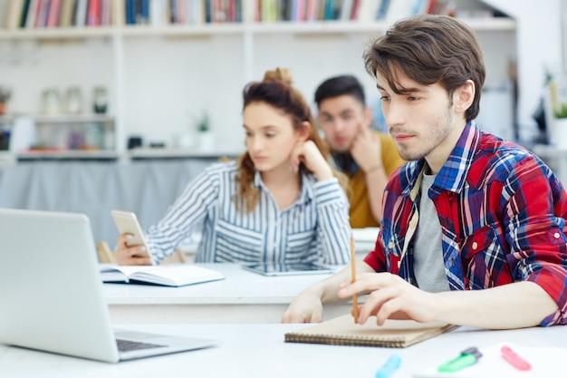 Studente a lezione