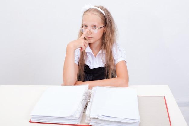 Studentessa con cartelle