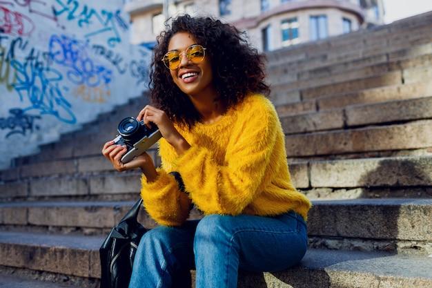 Studentessa ispirata alla moda