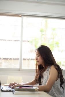 Studentesse asiatiche