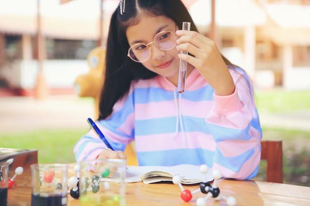 Studentesse che intendono studiare