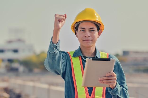 Successo felice di progetto della compressa professionale della tenuta dell'ingegnere di costruzione