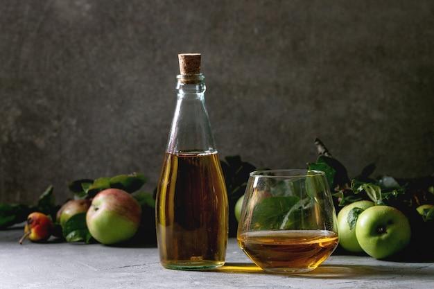 Succo di mela fresco