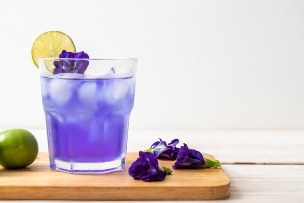 Succo di pisello di farfalla con lime