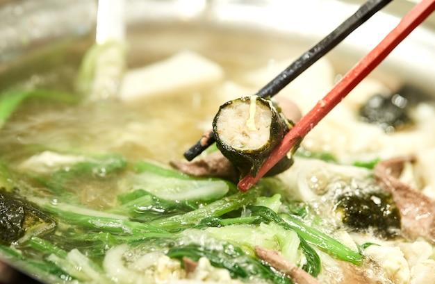 Suki yaki verdure in soupthai