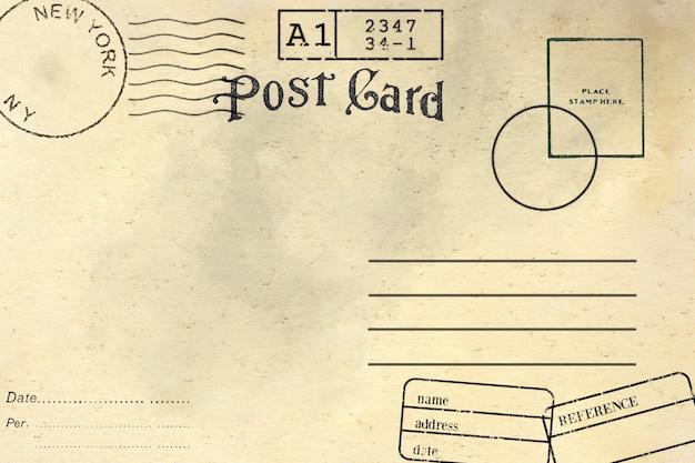 Sul retro della cartolina vuota con macchia sporca