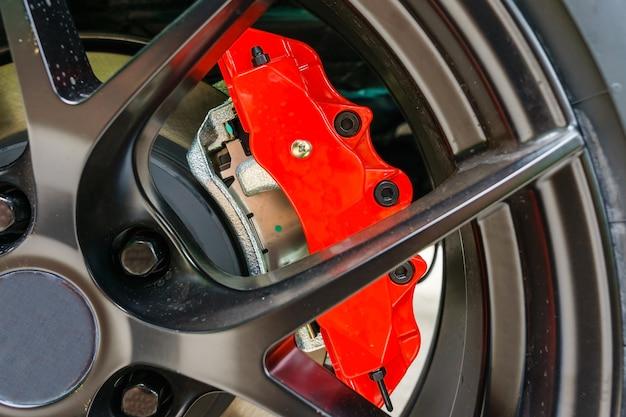 Super car brakes. freno a disco. pastiglie a disco, cuscinetto ruota, gruppo pinza