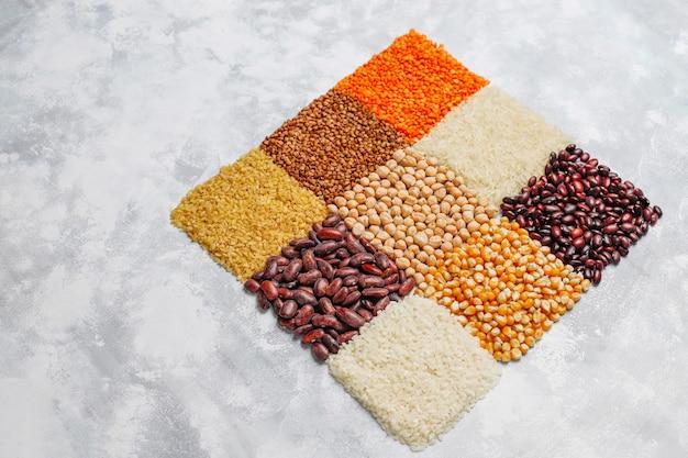 Supercibi, semi e cereali per l'alimentazione vegana e vegetariana. mangiare pulito