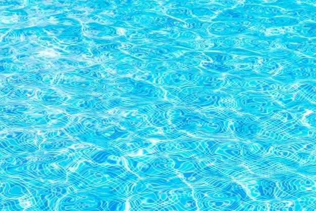 Superficie dell'acqua sulla piscina