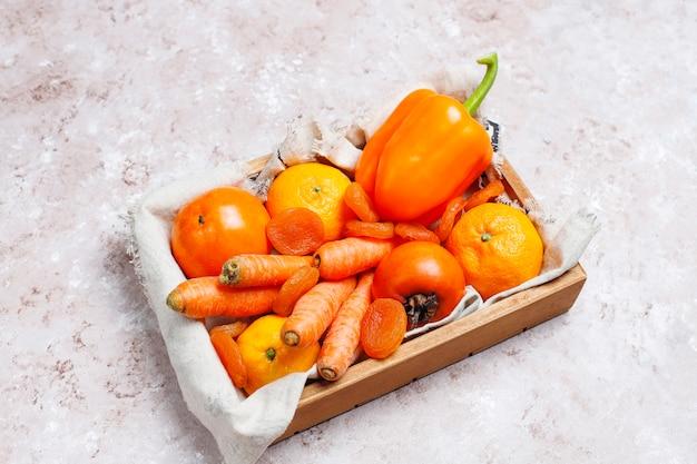 Superficie di calcestruzzo arancione fresca del foodson